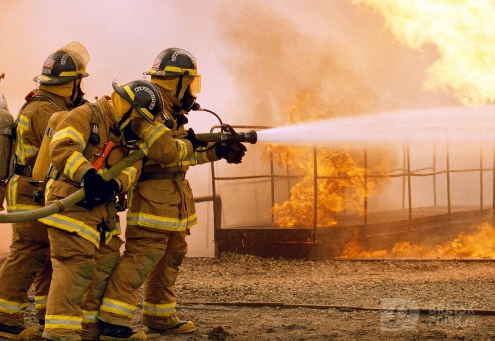 Годовалая девочка отравилась угарным газом на пожаре в Братске
