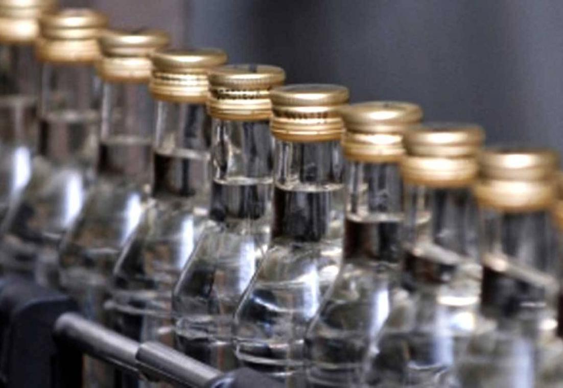 В Правительстве РФ хотят поднять цены на водку на треть
