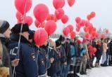 Иркутские пожарные и сотрудники ДПС приняли участие во флешмобе к Международному женскому Дню (ВИДЕО)