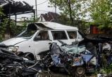 Железнодорожники Приангарья организовали необычную выставку из разбитых автомобилей